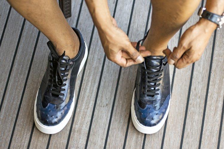 Erkek Deri Sneaker Kombin Önerileri
